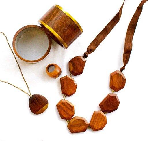 جواهرات چوبی برای زنان