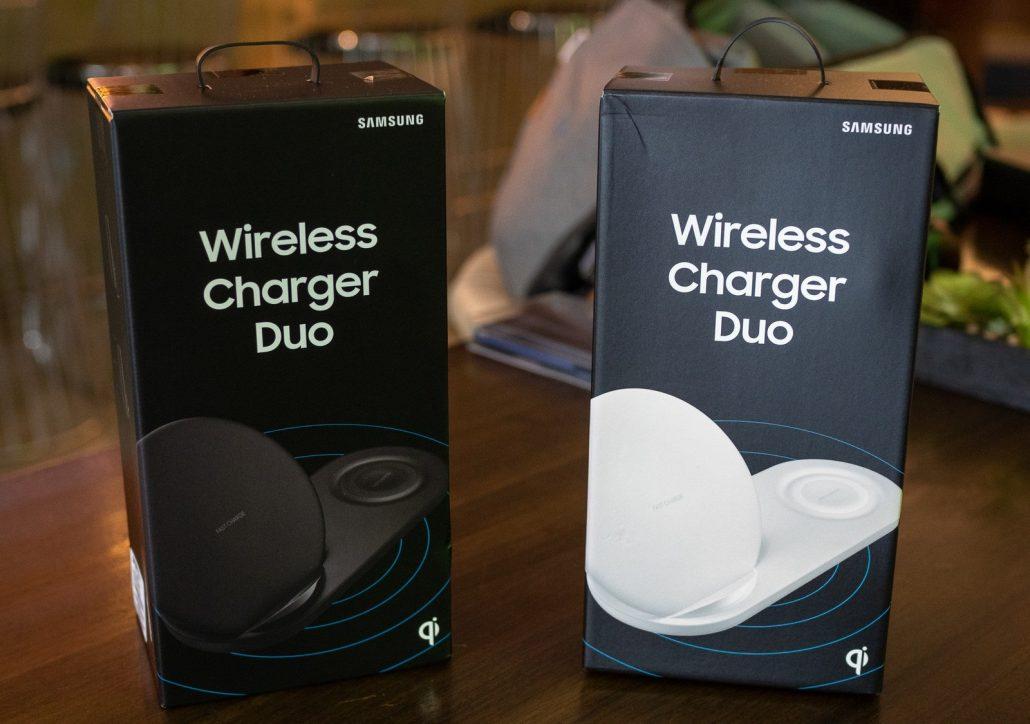 محتویات شارژر بی سیم سامسونگ Samsung Wireless Charger Duo