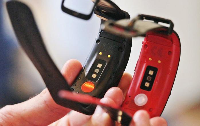 سنسورهای مچ بند هوشمند سامسونگ Samsung Gear Fit 2 Pro