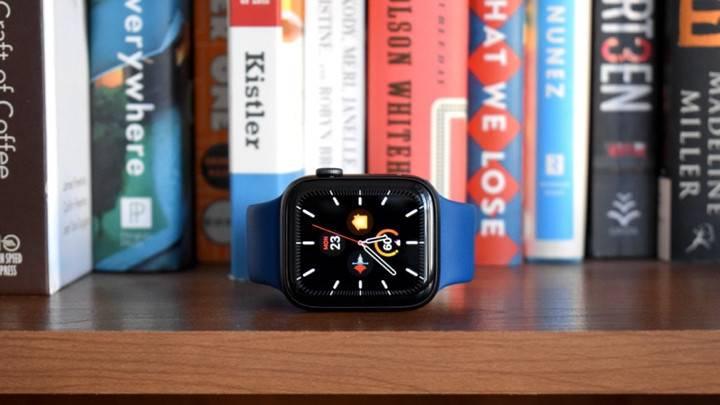مقایسه طراحی اپل واچ سری 5 و سری 3