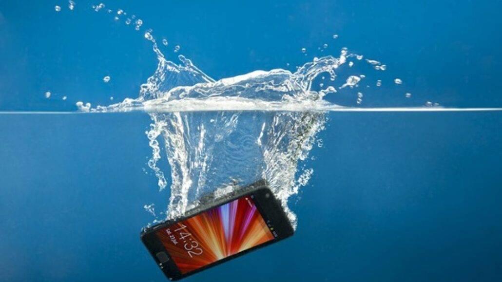 خیس شدن صفحه گوشی