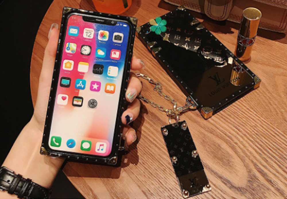 عکس قاب گوشی آیفون Apple iPhone 13 Mini مدل صندوقی لویی ویتون
